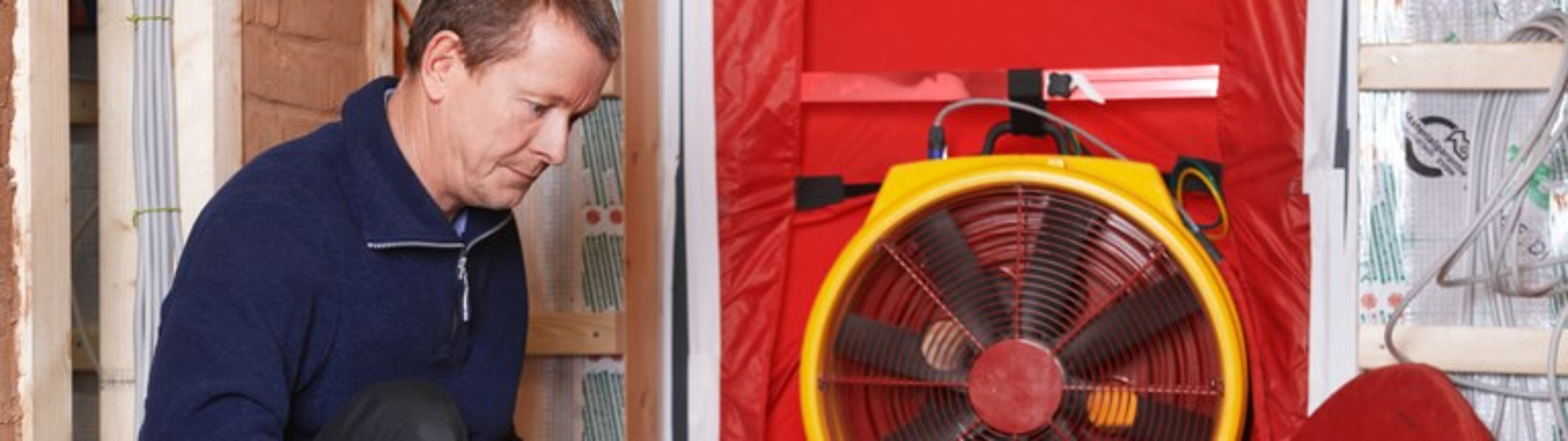 Blower-Door-Test zeigt, ob Haus lückenlos dicht ist